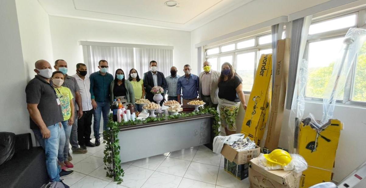 Prefeitura lança projeto 'Florir' que vai transformar canteiros e praças em Guaratinga 24