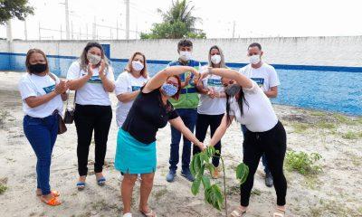 Eunápolis inicia plantio de mudas de árvores em escolas da rede municipal de ensino 5