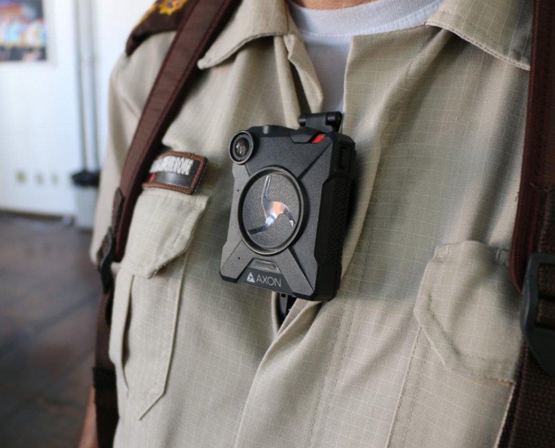 """SSP estuda colocar câmera nas fardas de policiais; """"meio de prova da atividade"""", diz coronel 18"""