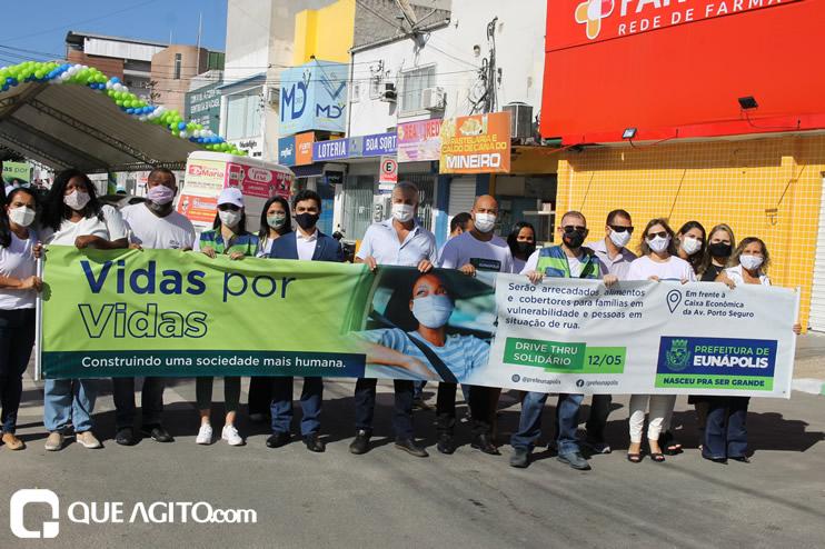 Projeto Vidas por Vidas arrecada alimentos e donativos em drive-thru solidário 49