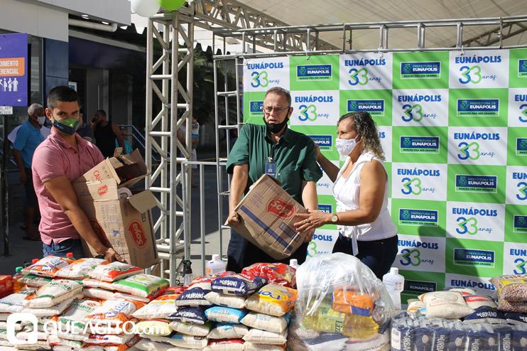 Projeto Vidas por Vidas arrecada alimentos e donativos em drive-thru solidário 52