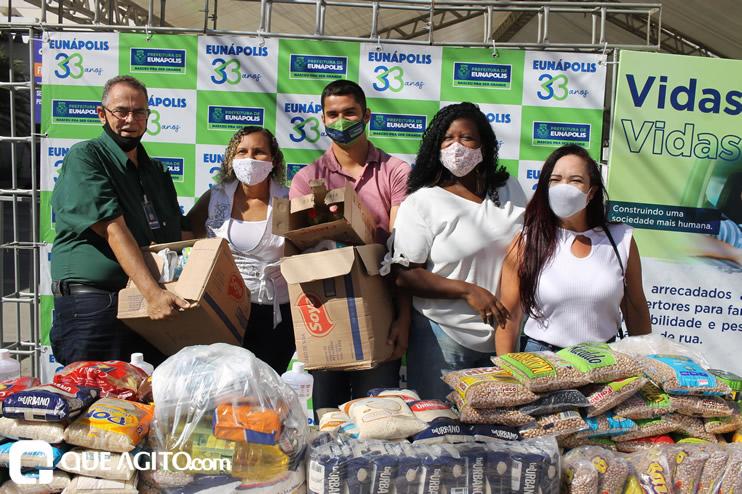 Projeto Vidas por Vidas arrecada alimentos e donativos em drive-thru solidário 54