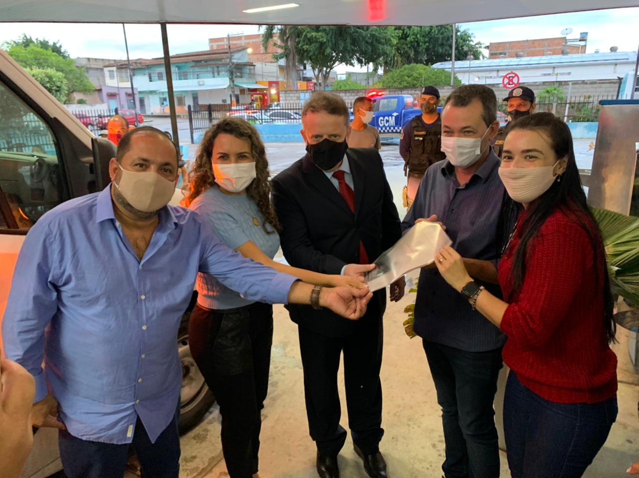 Prefeitura de Eunápolis recebe ambulância equipada com UTI 32