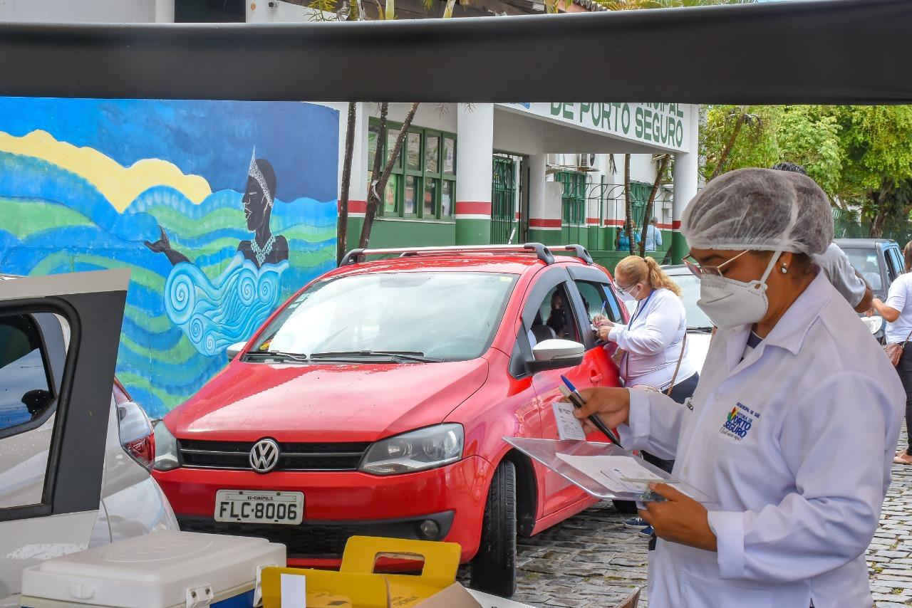 Porto Seguro segue a todo o vapor na expansão da vacinação contra a Covid-19 para os profissionais da educação 27