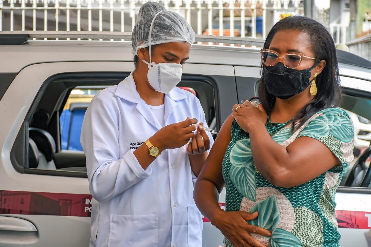 Porto Seguro segue a todo o vapor na expansão da vacinação contra a Covid-19 para os profissionais da educação 25