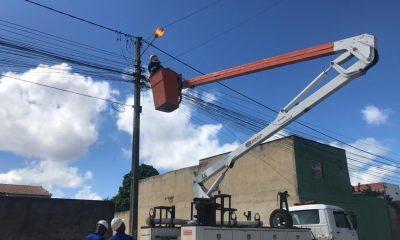 Prefeitura de Eunápolis inicia requalificação da iluminação pública no município 39