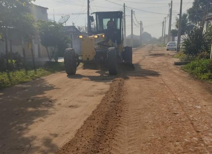 Prefeitura de Eunápolis recupera estradas na zona rural do município 24