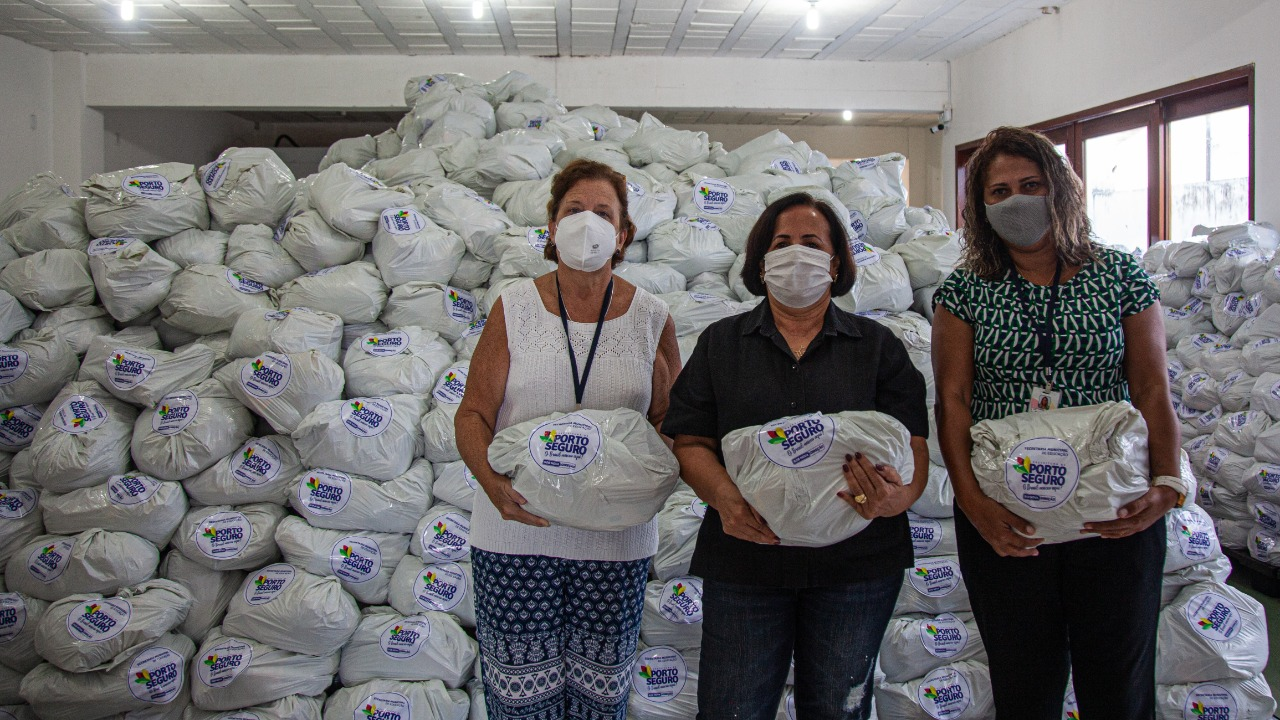 Prefeitura distribui 174 toneladas de alimentos para alunos da rede municipal de ensino de Porto Seguro 20