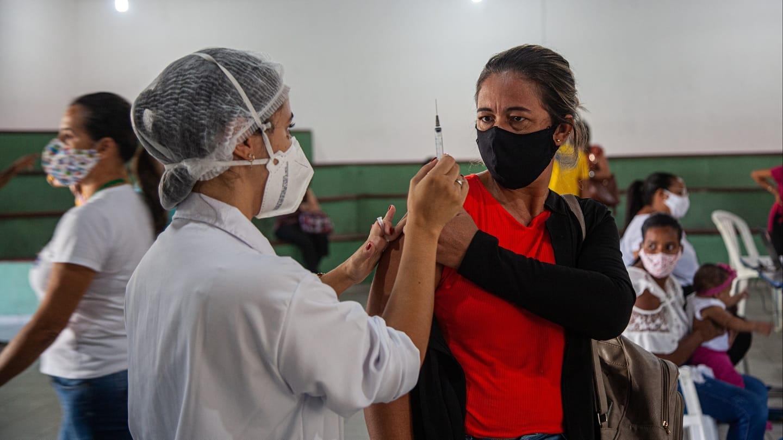Vacinação atinge 87% dos profissionais da educação em Porto Seguro 23