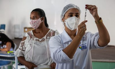 Vacinação atinge 87% dos profissionais da educação em Porto Seguro 70