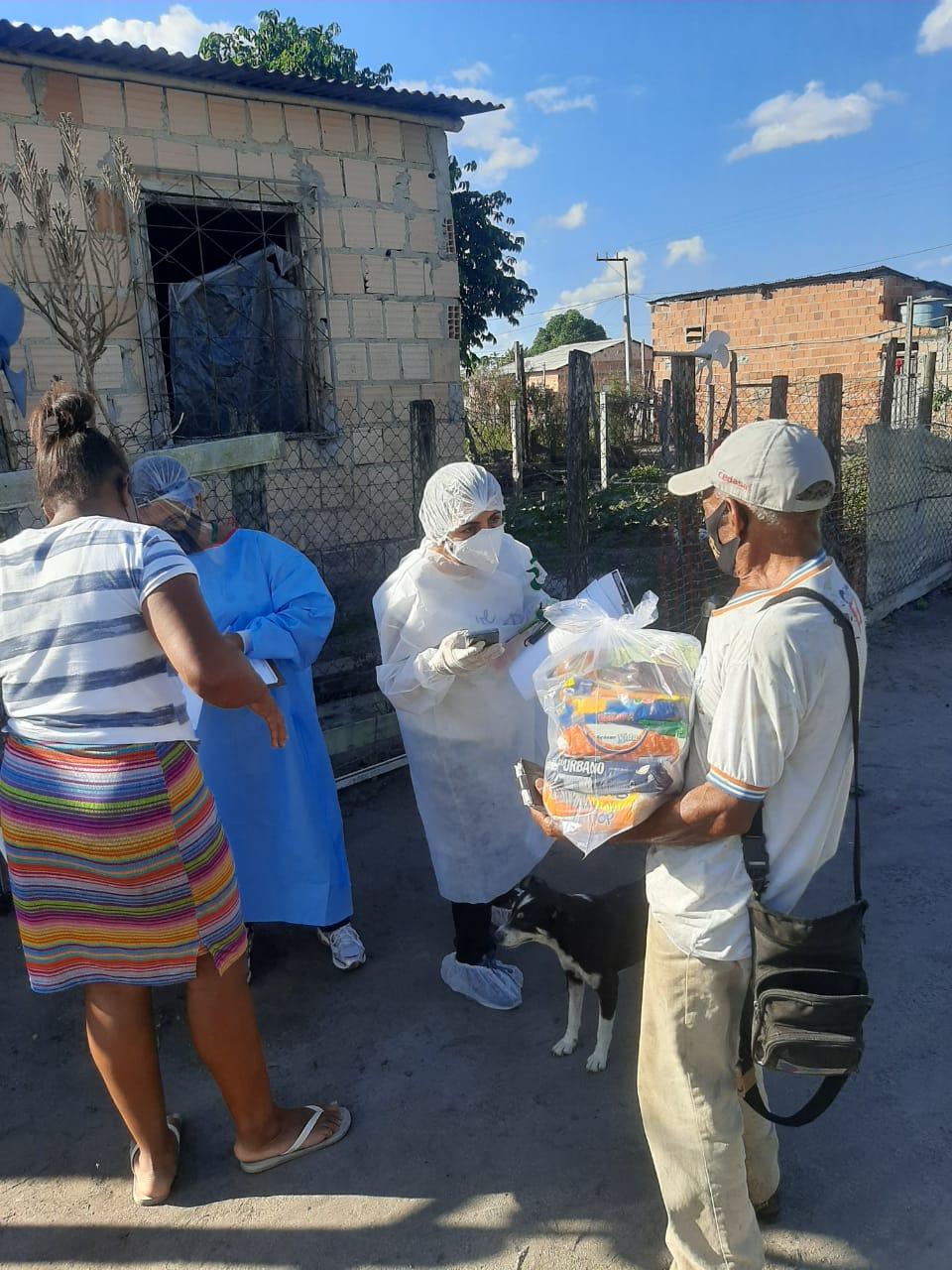 Prefeitura de Eunápolis entregou cestas básicas aos catadores 21
