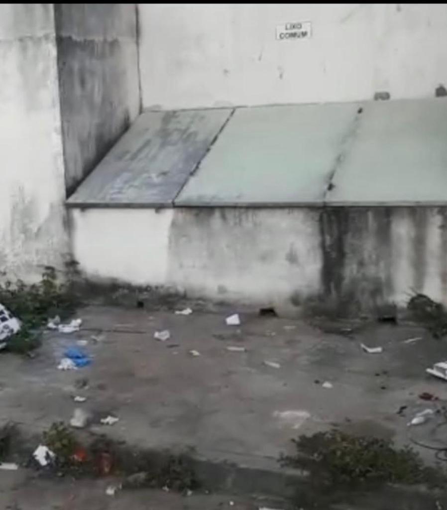 Hospital do Covid descarta lixo hospitalar misturado ao lixo comum 27