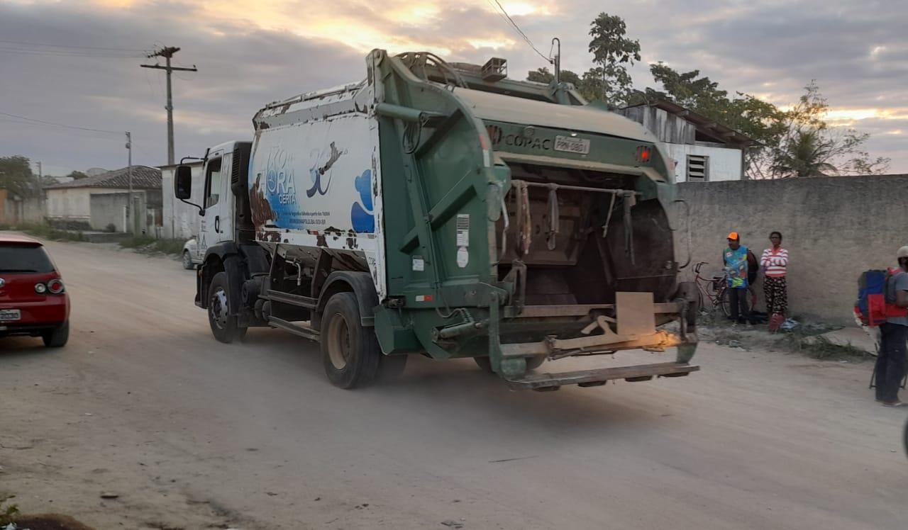 Após decisão judicial, coleta de lixo é retomada em Eunápolis 25