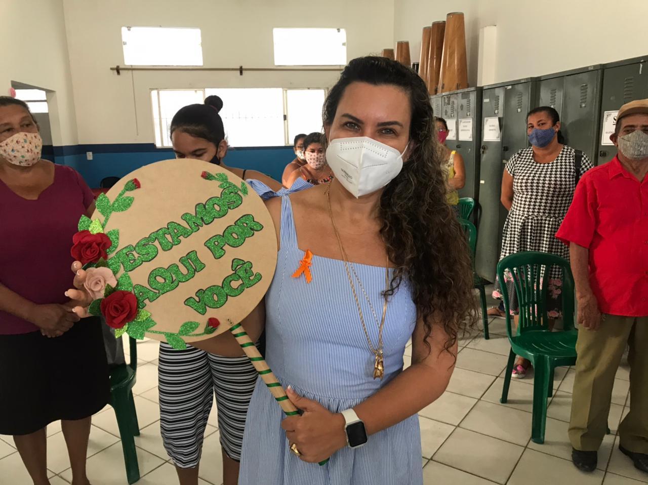Prefeita Cordélia Torres participa de palestra sobre Maio Laranja, no CRAS I 23