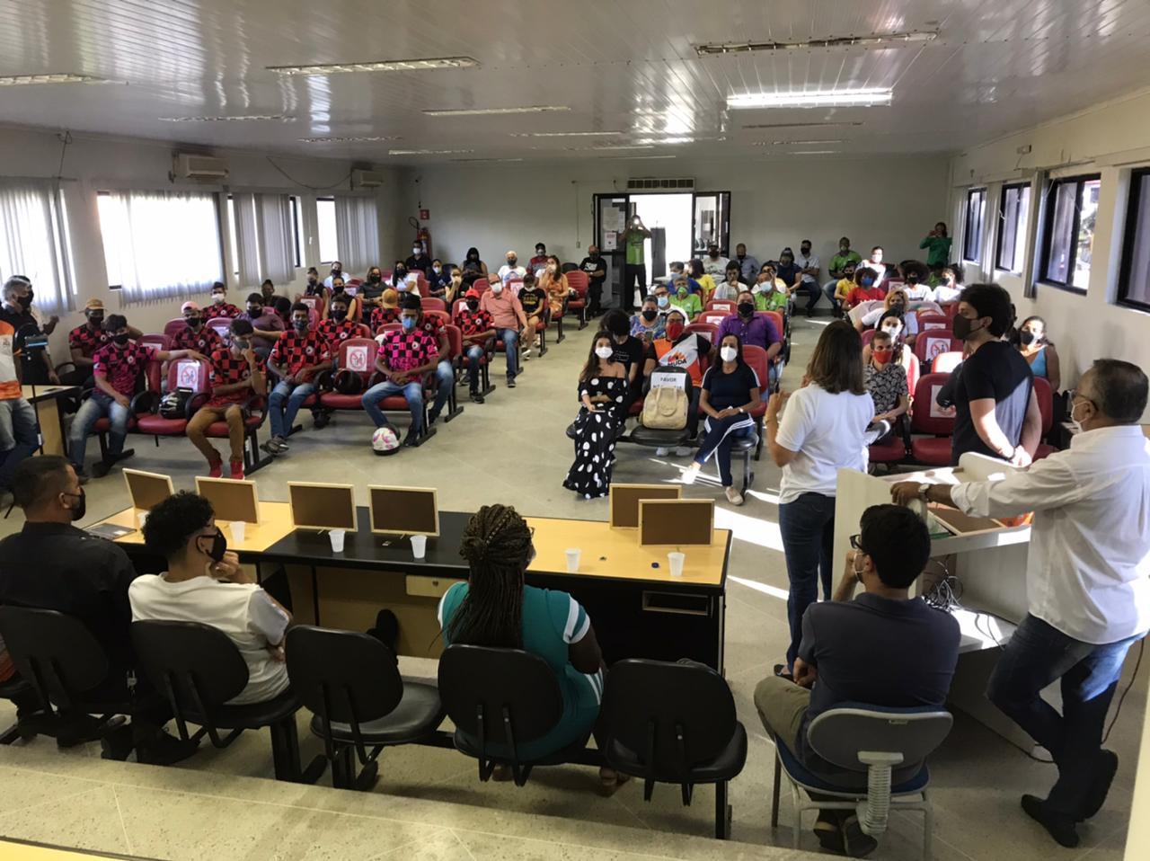 Prefeitura de Eunápolis e Câmara Municipal de Vereadores realizam 1ª edição do Papo Jovem 27