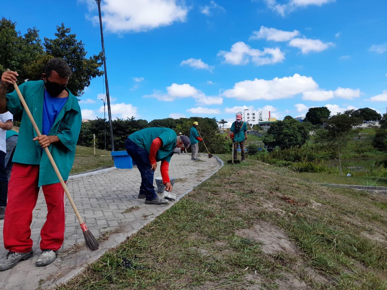 Prefeitura de Eunápolis dá início ao Projeto Mais Verde 24