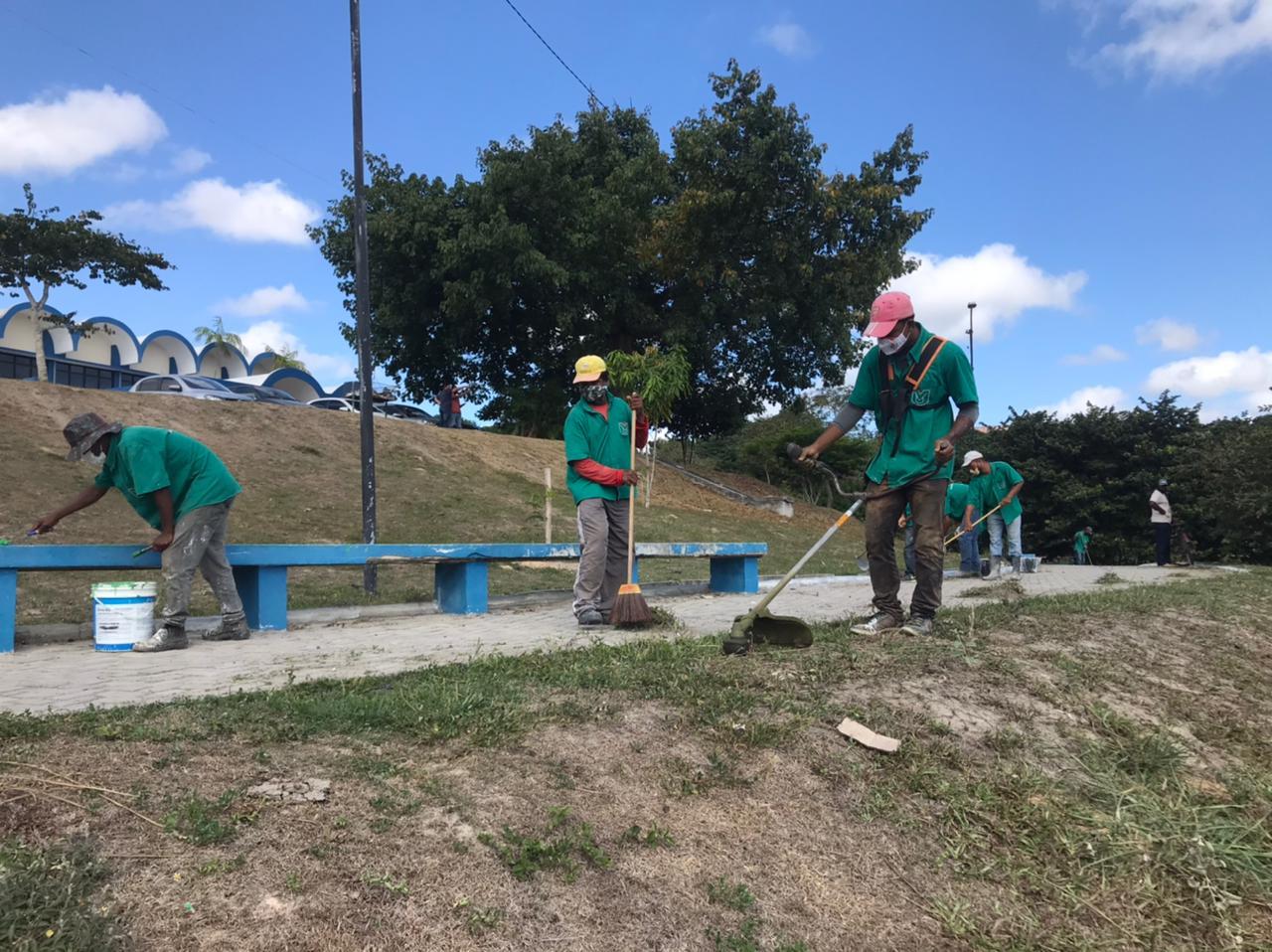 Prefeitura de Eunápolis dá início ao Projeto Mais Verde 22