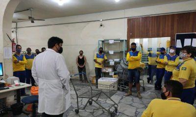 Prefeitura de Eunápolis dá orientação técnica a funcionários do centro de distribuição dos Correios e desinfeta ambiente 36