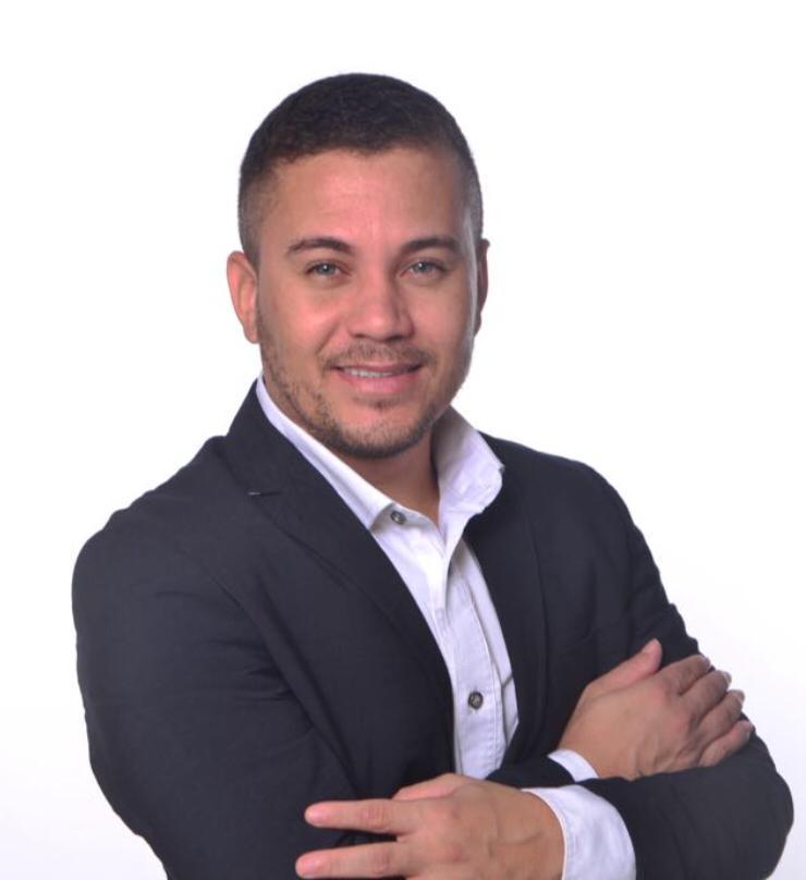 Vereador eleito, Galeguinho Spa registra em cartório doação integral do salário 18