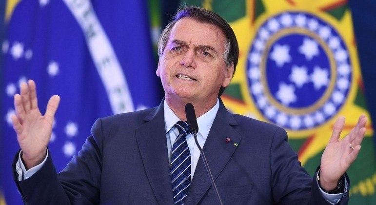 Bolsonaro sanciona lei que afasta grávidas do trabalho na pandemia 18