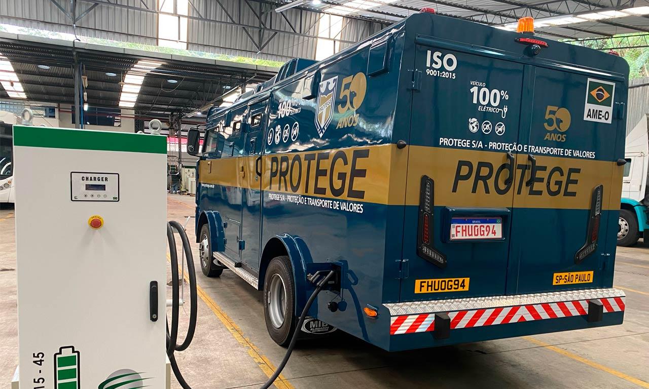 Brasil tem primeiro carro-forte 100% elétrico do mundo 20