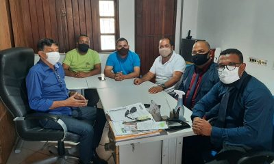 Qualidade de vida dos catadores do antigo lixão em Eunápolis é tema de encontro entre vereadores e secretário de Meio Ambiente 25