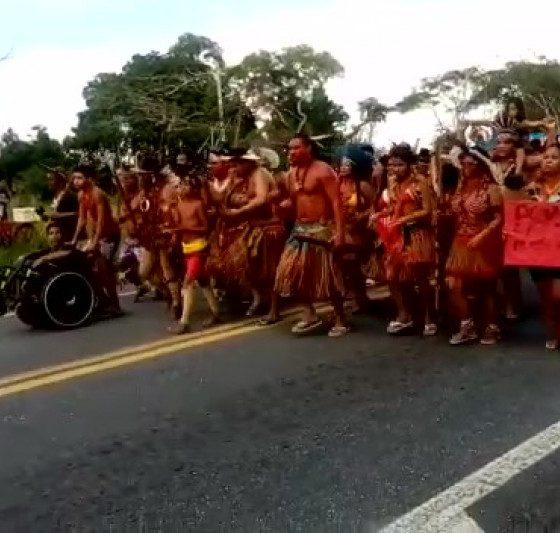 Indígenas bloqueiam BR-101 contra projeto que muda regras para demarcação de terras 21