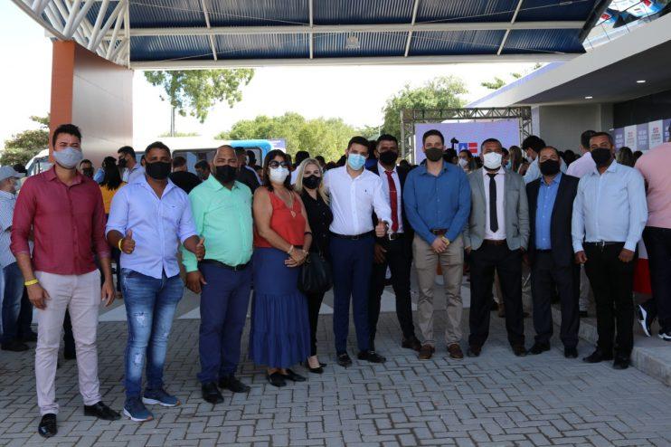 Vereadores de Eunápolis marcam presença em ato de entrega da Policlínica Regional da Costa do Descobrimento 25