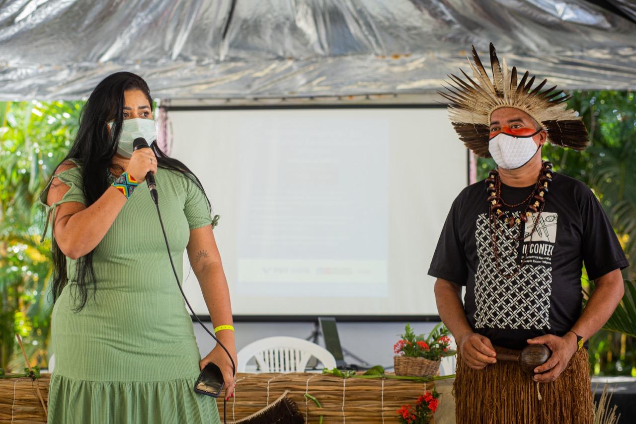 Estado realiza seminários com diferentes etnias para a construção das Diretrizes Curriculares da Educação Indígena 16