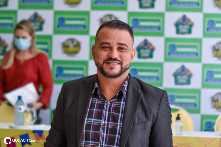 Prefeita Cordélia anuncia durante coletiva de imprensa, a Live São João se Encontra com Pedrão em Eunápolis 34