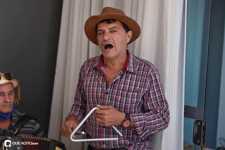 Prefeita Cordélia anuncia durante coletiva de imprensa, a Live São João se Encontra com Pedrão em Eunápolis 36