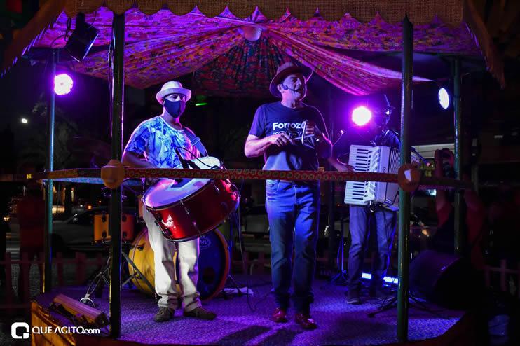 Diversas atrações se apresentaram na primeira noite da Vila do Forró em Eunápolis 24