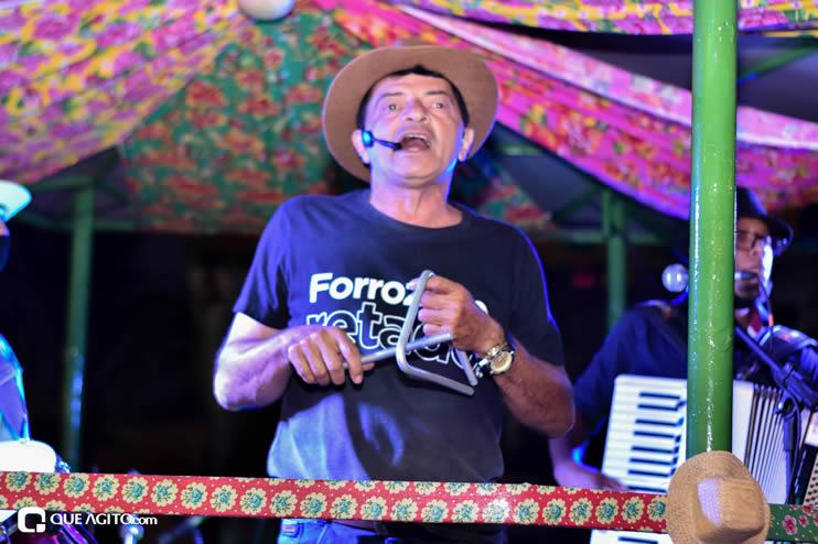 Diversas atrações se apresentaram na primeira noite da Vila do Forró em Eunápolis 28