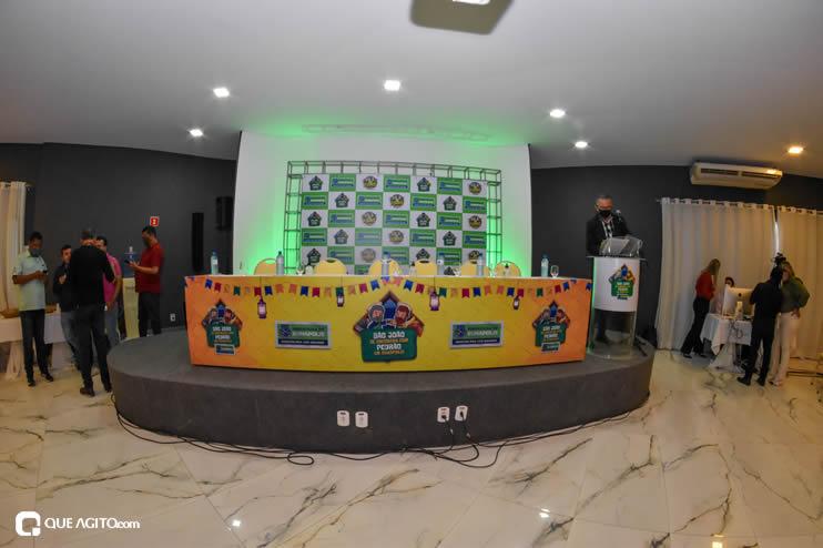 Prefeita Cordélia anuncia durante coletiva de imprensa, a Live São João se Encontra com Pedrão em Eunápolis 46