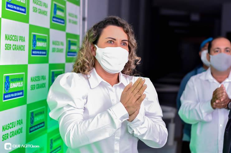 Prefeita Cordélia anuncia durante coletiva de imprensa, a Live São João se Encontra com Pedrão em Eunápolis 47
