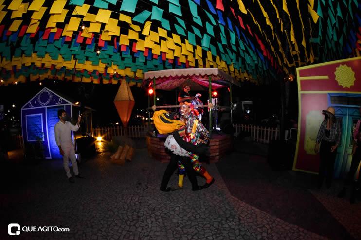 Diversas atrações se apresentaram na primeira noite da Vila do Forró em Eunápolis 27