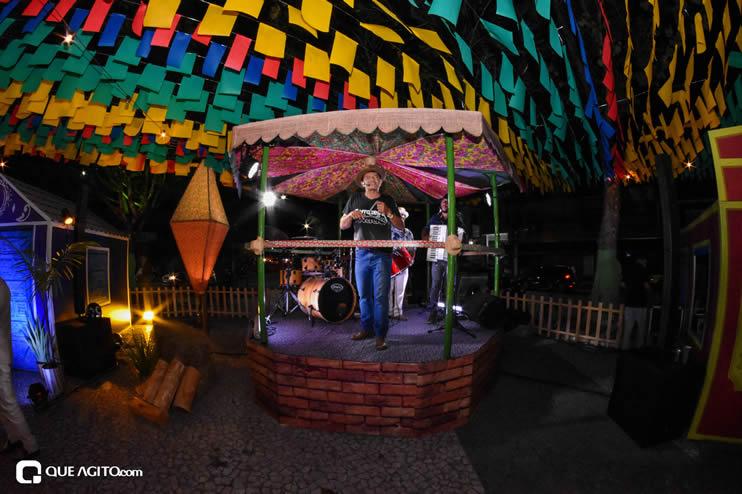 Diversas atrações se apresentaram na primeira noite da Vila do Forró em Eunápolis 26