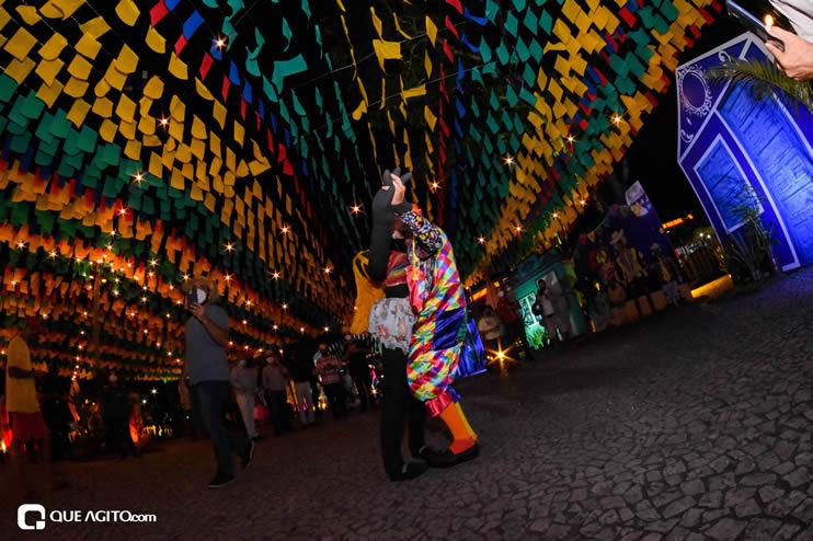 Diversas atrações se apresentaram na primeira noite da Vila do Forró em Eunápolis 37
