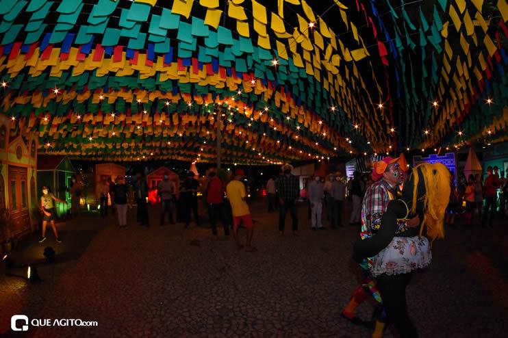 Diversas atrações se apresentaram na primeira noite da Vila do Forró em Eunápolis 34