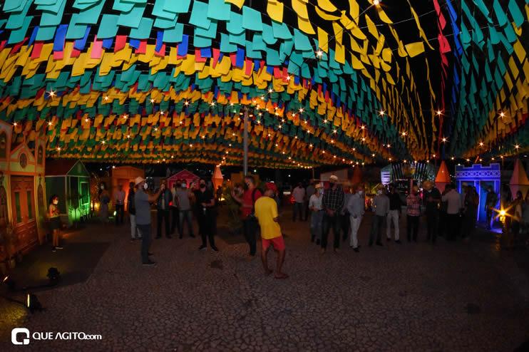 Diversas atrações se apresentaram na primeira noite da Vila do Forró em Eunápolis 35