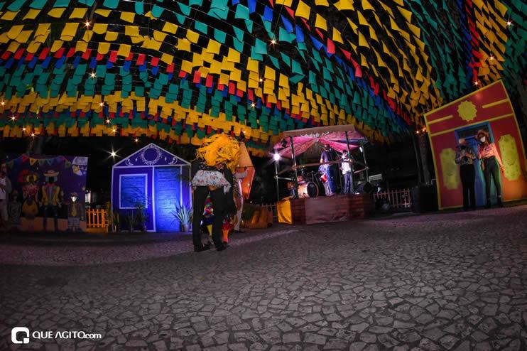 Diversas atrações se apresentaram na primeira noite da Vila do Forró em Eunápolis 39