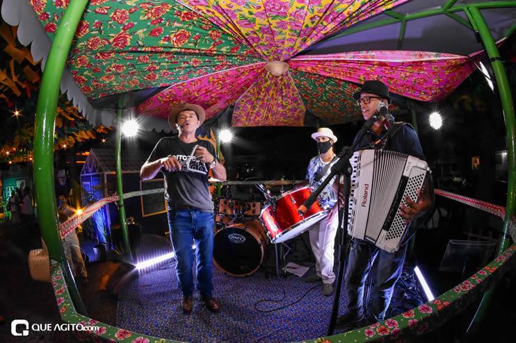 Diversas atrações se apresentaram na primeira noite da Vila do Forró em Eunápolis 19