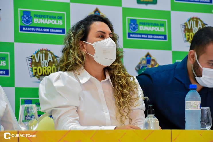 Prefeita Cordélia anuncia durante coletiva de imprensa, a Live São João se Encontra com Pedrão em Eunápolis 56