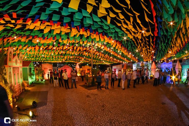 Diversas atrações se apresentaram na primeira noite da Vila do Forró em Eunápolis 45