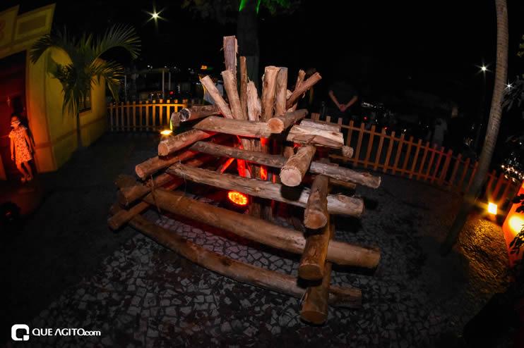 Diversas atrações se apresentaram na primeira noite da Vila do Forró em Eunápolis 46