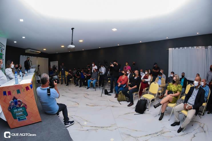 Prefeita Cordélia anuncia durante coletiva de imprensa, a Live São João se Encontra com Pedrão em Eunápolis 60