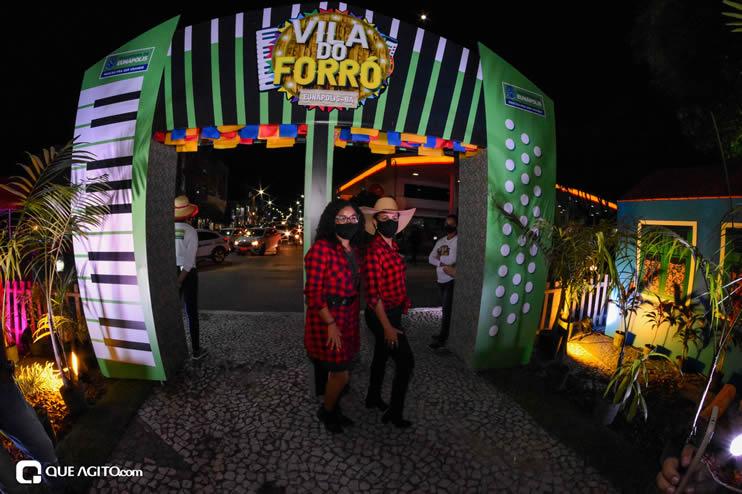 Diversas atrações se apresentaram na primeira noite da Vila do Forró em Eunápolis 49