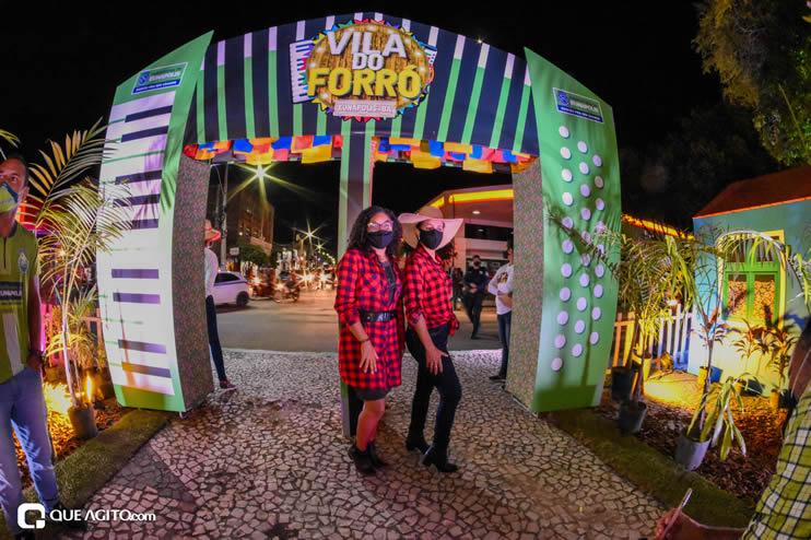Diversas atrações se apresentaram na primeira noite da Vila do Forró em Eunápolis 50