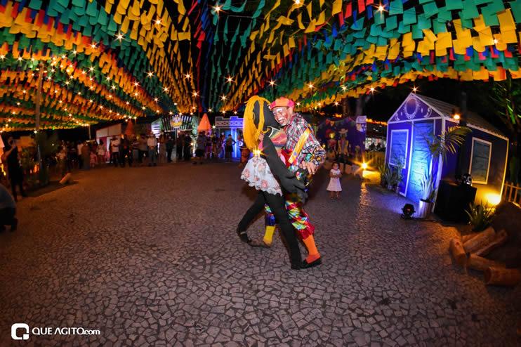 Diversas atrações se apresentaram na primeira noite da Vila do Forró em Eunápolis 52