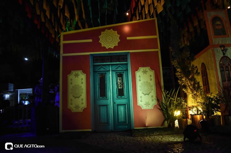 Diversas atrações se apresentaram na primeira noite da Vila do Forró em Eunápolis 54